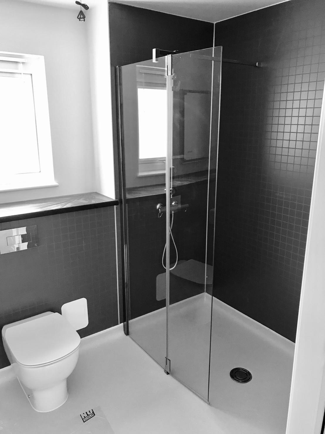 Housing 21 retirement living Modular Bungalows - Bathroom shower - Ward Court